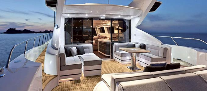 Cost to rent a yacht